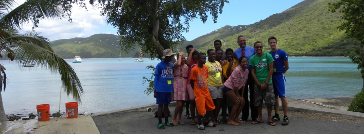 Coral Reef Discovery Week students with Senator Jean Forde
