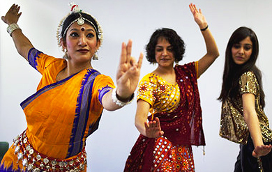Tthe Surati Indian Dance Company