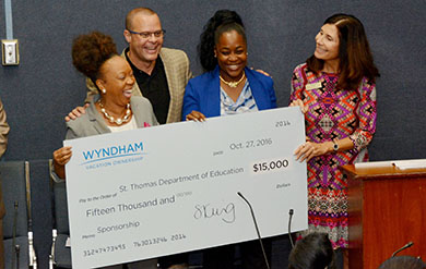 UVI Hospitality Students Receives a Donation from Wyndham